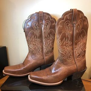 Ariat Western Woman's Boots Tan square toe sz 9